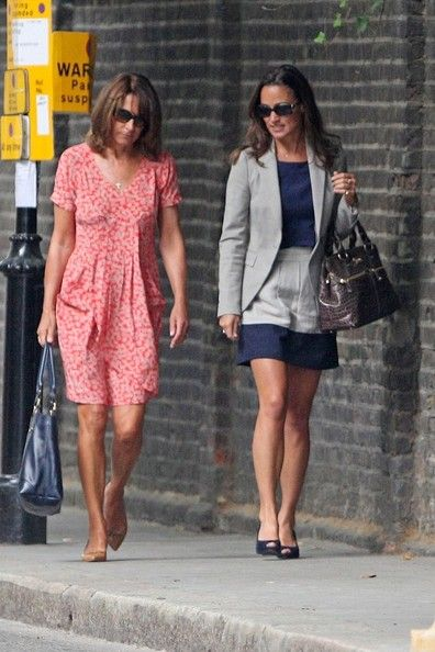 Carole Middleton - Pippa Middleton Goes Shopping with Her Mother on Kings Rd. August 17, 2011