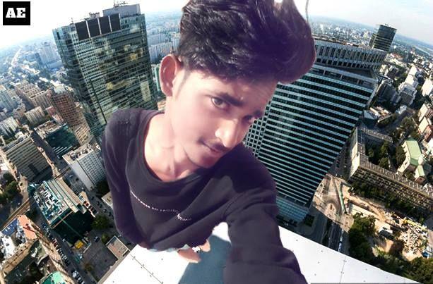Achyuth.ae , selfie standing on Building, Buildings selfie, (ACHA)