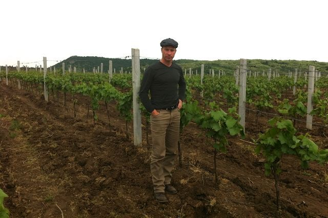 J and J Eger Wine Company brings the talents and perspectives of two multitalented visionary individuals with the common goal of exploring, understanding and sharing a terroir of untold potential; home of the Hungarian specialty Egri Bikavér, or Bulls Blood from Eger.
