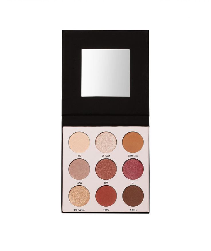 The Eye Shade It Palette includes 9 eyeshadow colours to take you from day to night.