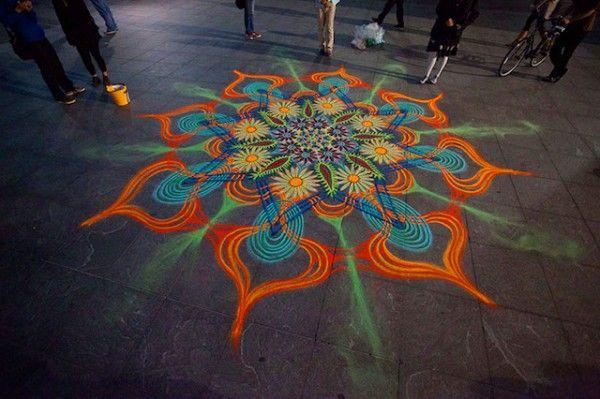 Tijdelijke kunst van gekleurd zand