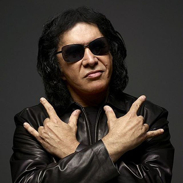 Didn't #GeneSimmons try to trademark the metal horns? #Kiss #kissarmy