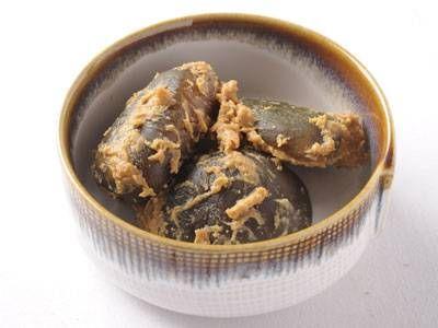 【摘果メロンの粕漬け】摘果メロンの利用法として考えられたもので、未熟果の固さとみりん粕の味がよく合います。
