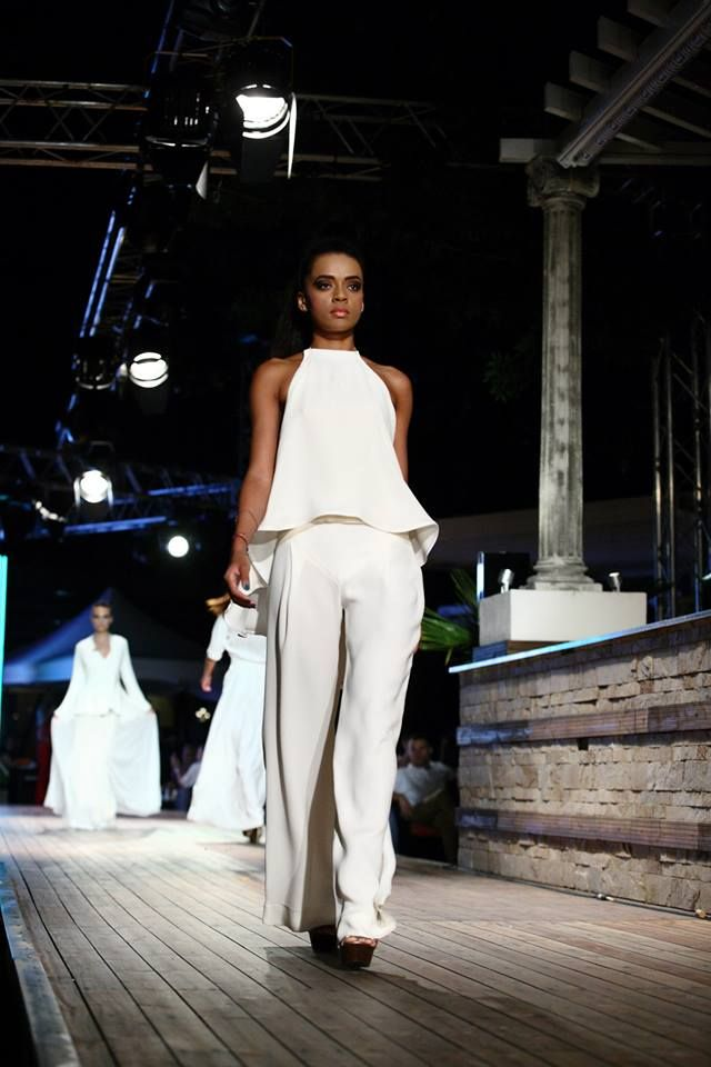 """""""For each collection, i have in mind the woman who cherishes her femininity and always turn it into an asset, the woman whose presence does not go unnoticed again, who manages to leave a lasting impression on all who meet her."""" -designer Veronica Zaharia. #2103 #fashion #catwalk"""