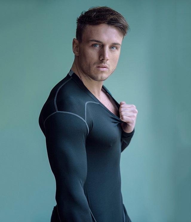 Model: @hooper453perrie  #JPHarrowPortraits #Photoshoot #MaleModel #MalePortrait #London #Fitness #Fitnessmodel #Physique #MensPhysique #photooftheday #cool