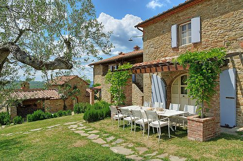 Traditional country house in Tuscany