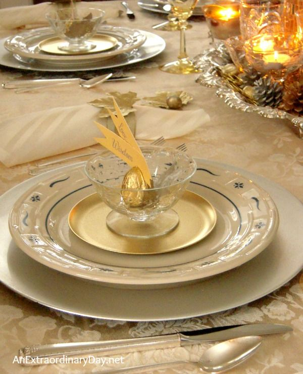 thanksgivingtablescape mixing gold and silver for thanksgiving