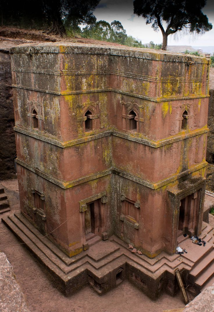 Een mystieke visie geïnspireerd deze oude kerken gesneden volledig uit de rots