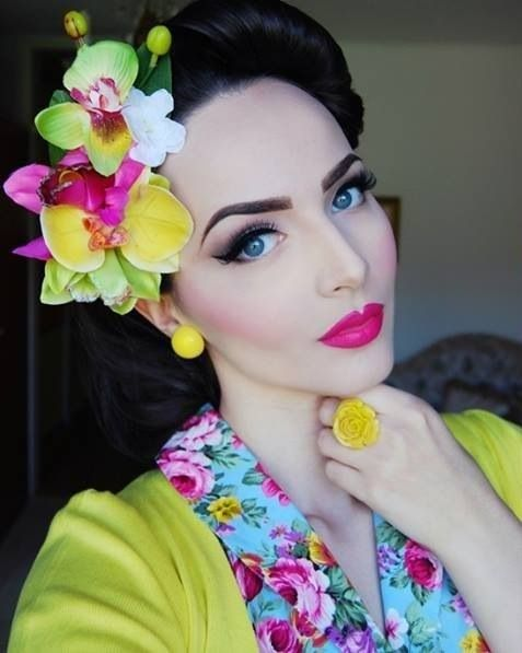 Bright and beautiful make up