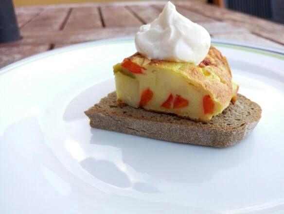 Tortilla cu cartofi de post: cum se face. Reteta de tortilla spaniola fara ou. Inlocuitor de oua de post. Omleta de post. Tortilla de cartofi vegana.