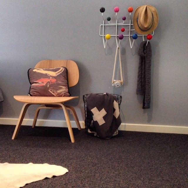 8 best hang it all eames porte manteau images on pinterest charles eames eames and side. Black Bedroom Furniture Sets. Home Design Ideas