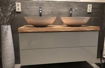 Asteiche 1210x500x50 mm Preis 355,00 € mit Baumkante ohne Unterschrank ( z.B Ikea )