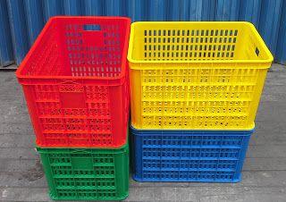 Selatan Jaya distributor barang plastik Surabaya: Keranjang Industri krat plastik lubang merk Rabbit...
