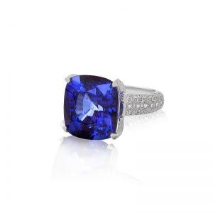 Sapphire and Diamond Ring l IDC-Israel Diamond Center