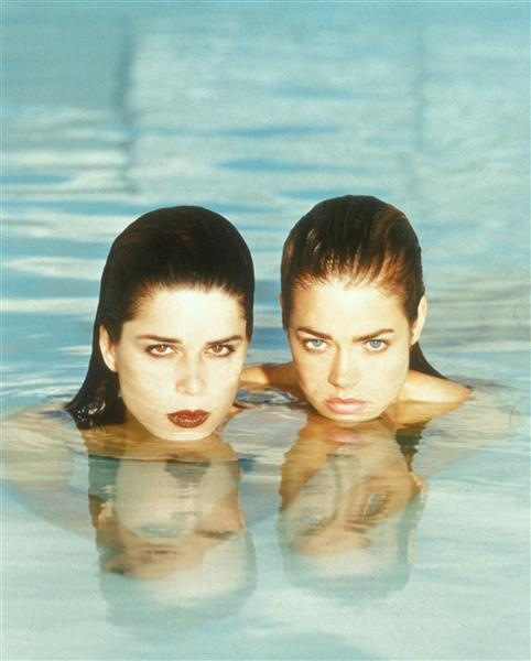 Denise richards amp neve campbell wild things 9