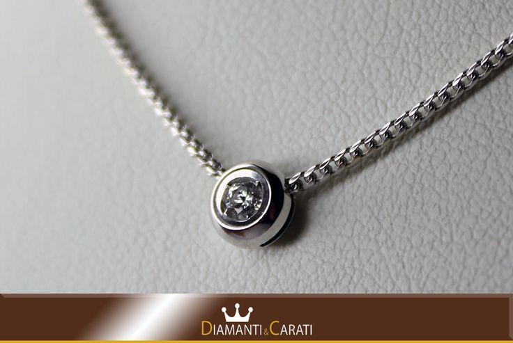 Collana oro Bianco e Ciondolo con Diamante
