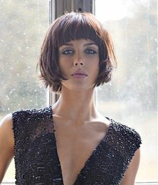 medium brown straight coloured messy iconic defined-fringe hairstyles for women #WomensHaircutsInspireMe