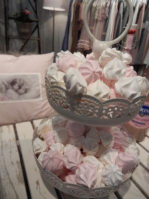 meringue dessert plate