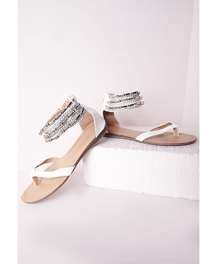 17 meilleures id es propos de sandales blanches sur pinterest chaussures d 39 t sandales d. Black Bedroom Furniture Sets. Home Design Ideas