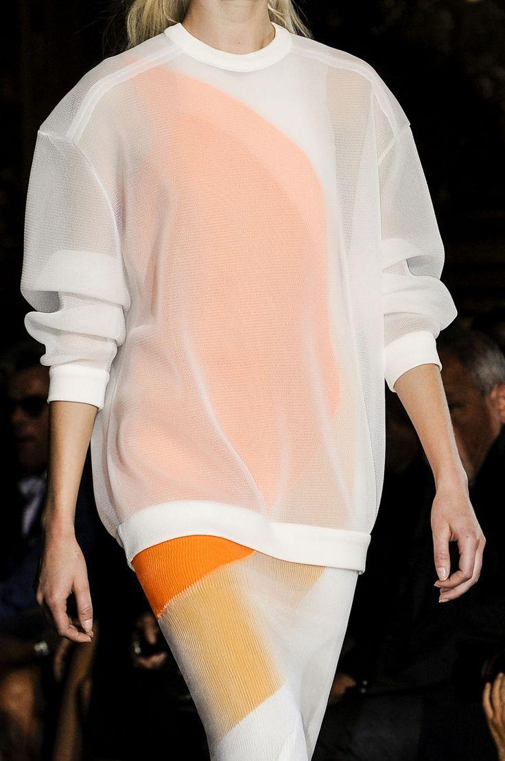 Stella McCartney at Paris Fashion Week Spring 2013 / #MIZUstyle