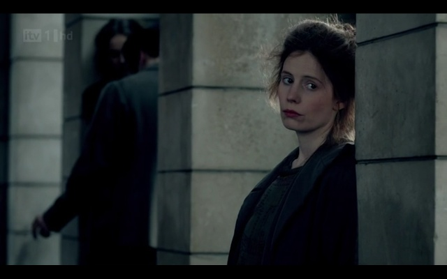 Violet sees Ethel (the maid who had a baby after her fling with that mustachioed hounddog, Major Bryant, back when Downton was a hospital in Season Two) on the street and we can tell she is a prostitute because she has messy hair and lipstick. I don't know what that says about me.