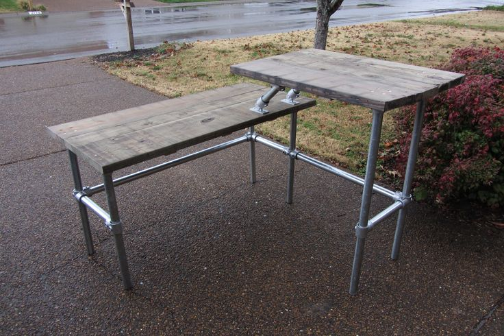 Split level stand up desk. 3FT standup and 4.5FT long L. Used reclaimed salvaged…