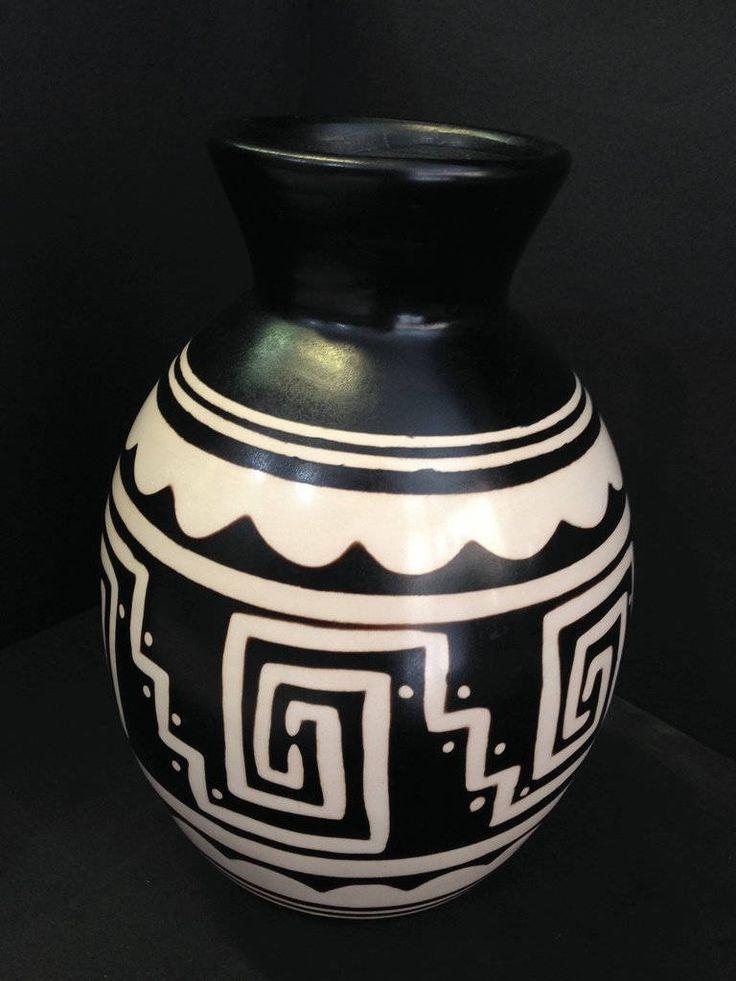 M s de 25 ideas incre bles sobre jarrones pintados en for Ceramica artesanal peru
