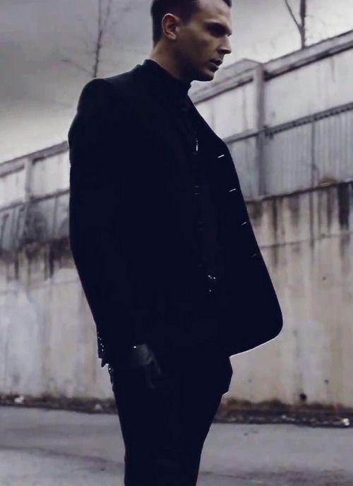 Theo Hutchcraft❤️