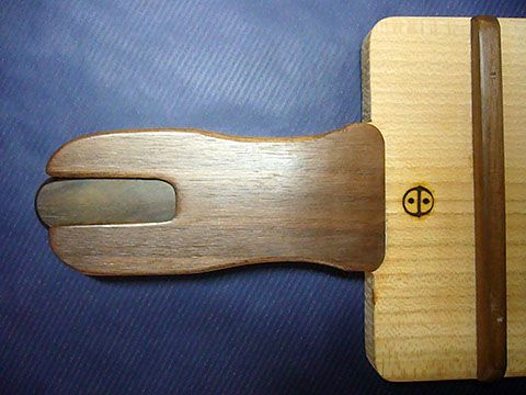 tagliere per salumi con coltello incorporato