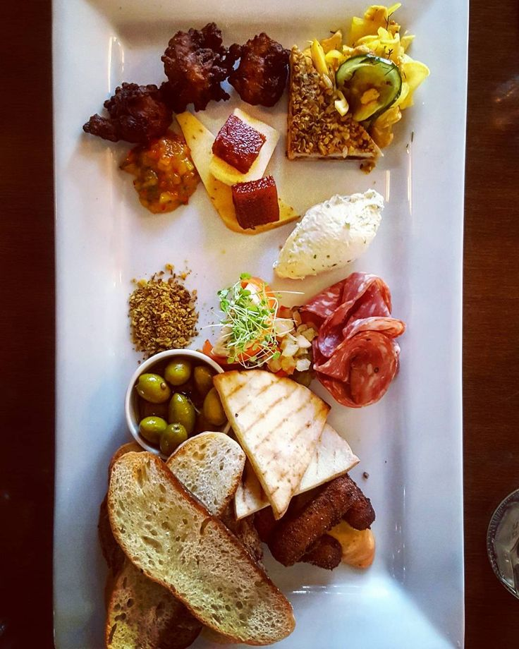The simple impressive platter for two from Waipara Hills, North Canterbury, New Zealand