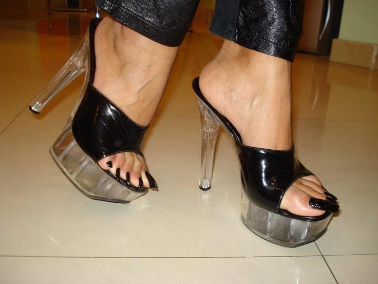 Freeekin Long Toe Nails Grosssss Mature Sexy Feet