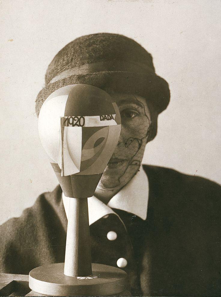 Portrait de Sophie Taüber, 1920.Elle fut une des rares artistes suisses du mouvement dada, et par ailleurs épouse de l'Alsacien Hans Arp.
