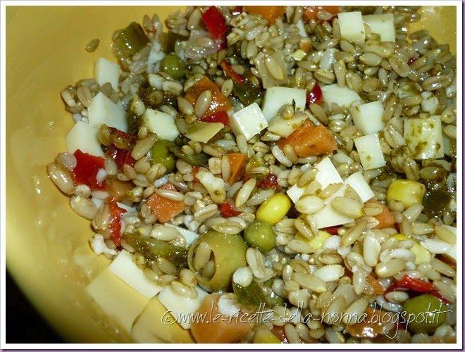 Le Ricette della Nonna: Insalata fredda d'avena con verdure, provolone e s...