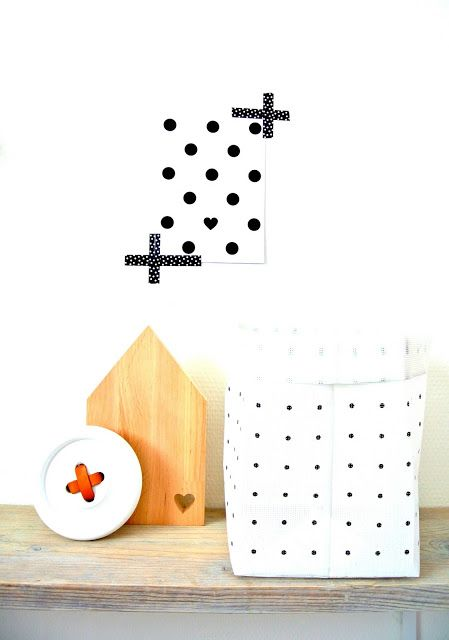 How clever! Easy wall art with a print and some washi tape.
