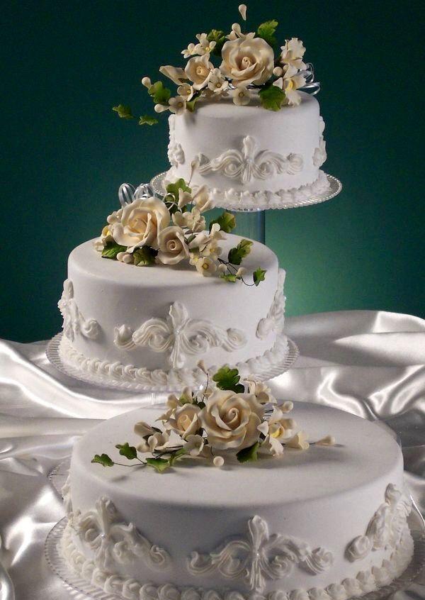 Cascade Wedding Cakes Are Basically Single Tier Cakes Arranged On  Individualu2026