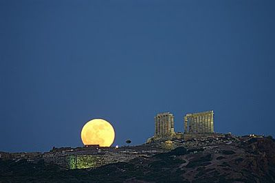 Greek archaeological sites to stay open for full moon tomorrow (21 August 2013)