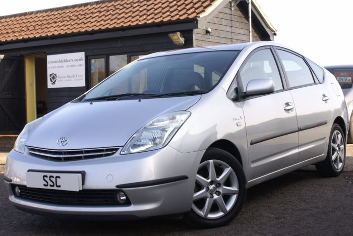 Toyota Prius 1.5 PRIUS T4 VVT-I AUTO Hatchback Hybrid Silver Metallic for sale at Simon Shield Cars http://www.simonshieldcars.co.uk/used/toyota/prius/prius-t4-vvt-i-auto/ipswich/suffolk/17756975