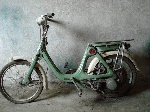 Moto Honda P50 cyclo 50cc moteur monocylindre quatre temps arbre a came en tete 1967 Honda Hamamatsu, Japon.