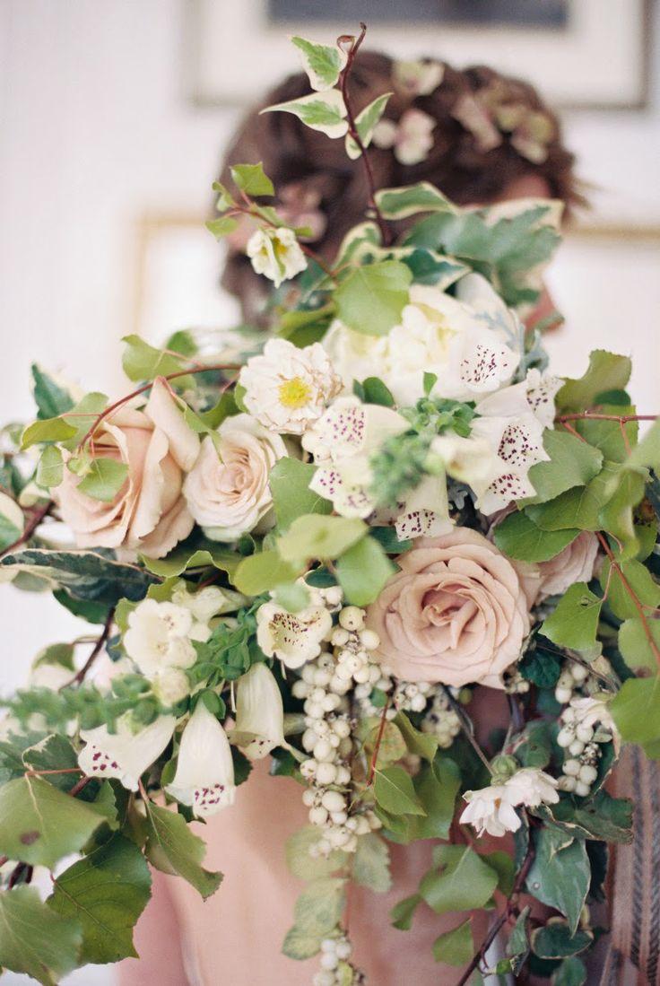 Honey of a Thousand Flowers - Journal - A whisper and abreath  #blush #flowerarrangement #weddings