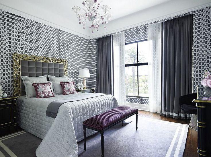Текстильное оформление спальни в серо-белых цветах - два вида штор, покрывало, подушки, изголовье.
