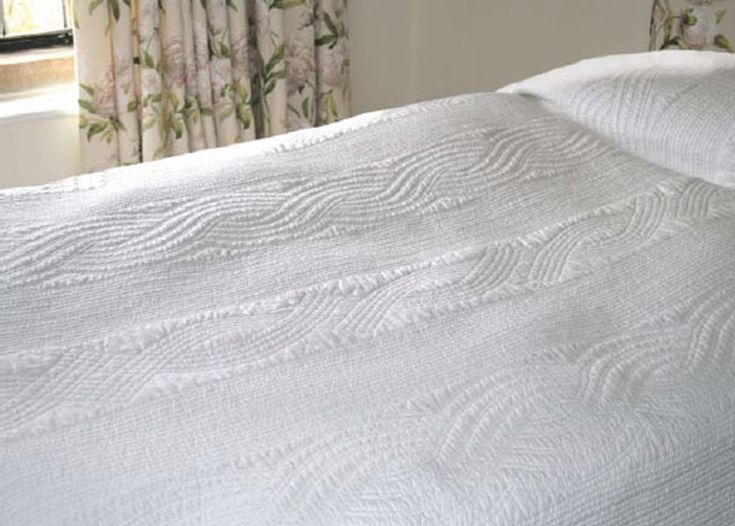 Scroll White Quilted Bedspread Sizes Up To Super King Also Available In Ecru