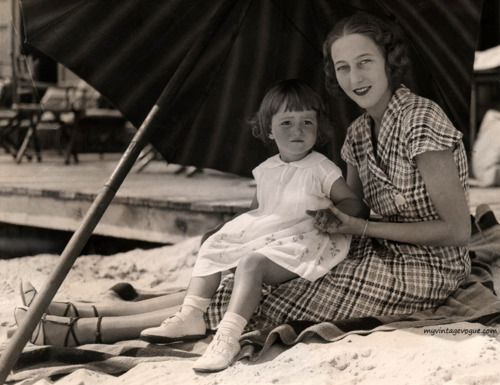 Frances Brokaw Fonda | Frances Ford Seymour with daughter Frances de Villers Brokaw