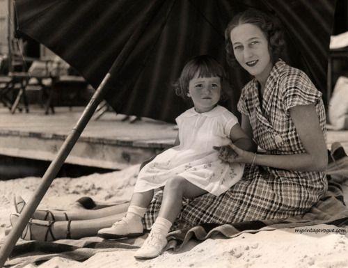 Frances Brokaw Fonda | Frances Ford Seymour with daughter Frances de Villers Brokaw