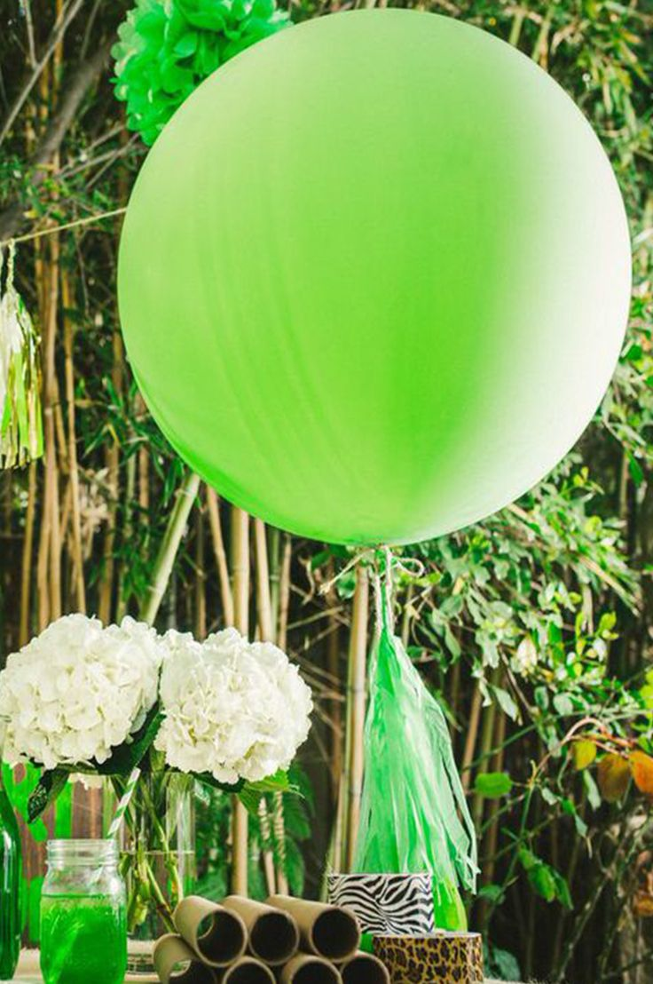 P.S. XO | Safari themed party decor! Wow your guests with our giant party balloon!