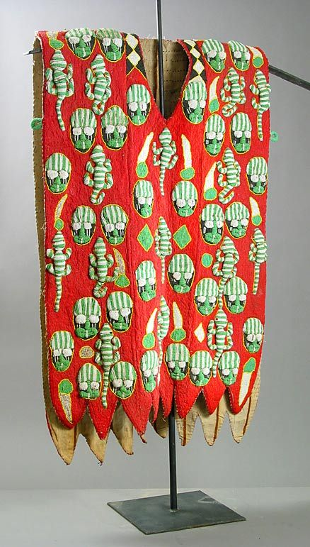 Africa | Ceremonial tunic from the Yoruba people from Nigeria | 20th century | Textile and glass beads