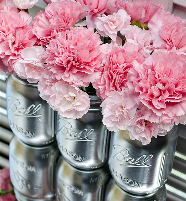 silver-spray-paint-mason-jar-vase-for-wedding