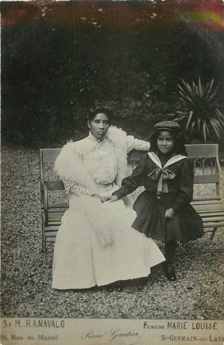 Queen Ranavalona III of Madagascar (b. 22 Nov 1861) with her grandniece Princess Marie-Louise (b. 15 Mar 1897):