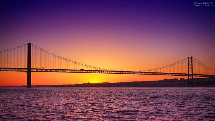 Amazing sunset over the 25th April Bridge