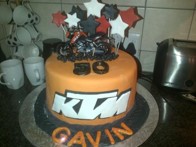 KTM bike cake