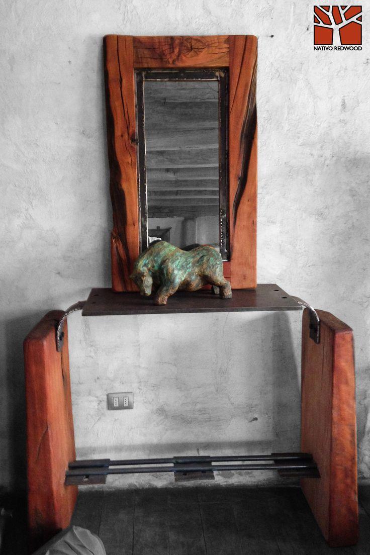 Nativo Redwood. Arrimo con cubierta de placa de fierro macizo perforada con base de maderos de una pieza de roble rústico con corteza y travesaño de fierro forjado con aplicaciones de fierro de durmiente de ferrocarril. Dimensiones: 0.40x1.20x0.90  Disponible en Av. Camilo Henriquez 3941, Puente Alto. +56 2 22674605 nativoredwood@gmail.com www.nativoredwood.com www.facebook.com/nativoredwood